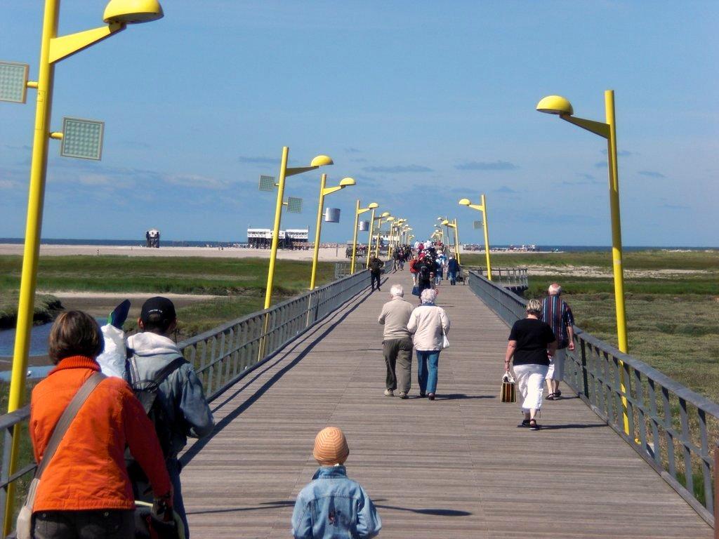 St. Peter-Ording Pensionen: Foto neue Badbrücke